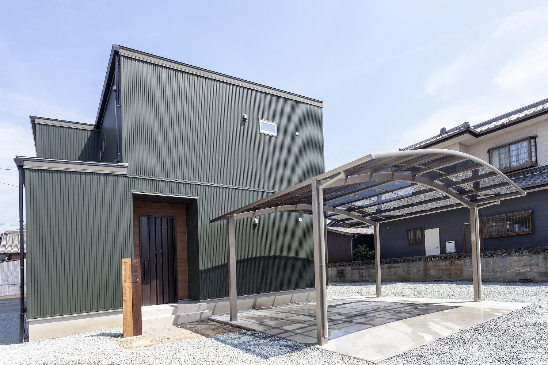 【新築】モスグリーンを基調にした陽当たり最高の家